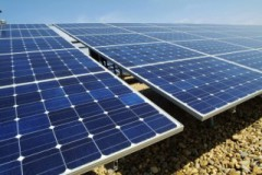 Гибридная электростанция, вырабатывающая энергию за счет солнечной энергии и переработки биомассы