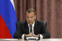 Медведев отметил важность поддержки аграрной науки, в том числе селекции и генетики