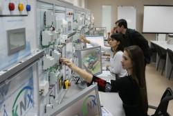 Медведев утвердил меры государственной поддержки научно-образовательных центров