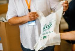 В Беларуси начато производство био-пакетов из кукурузного крахмала