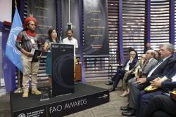 Новаторы в области продовольственной безопасности отмечены наградами на церемонии ФАО
